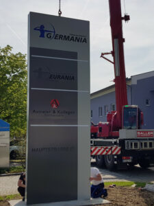Neue Werbetafel/ Pylon Für Germania Inkasso-Dienst