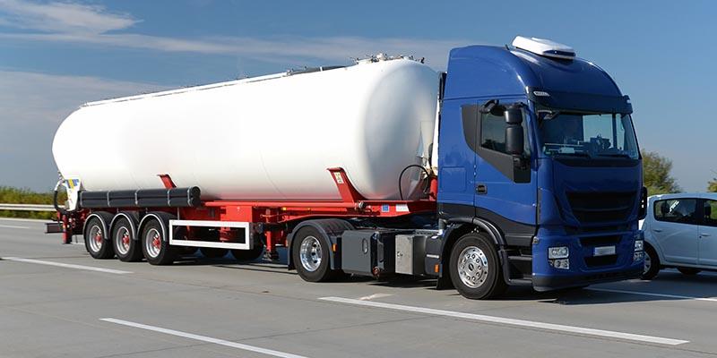 Tanklastzug Inkasso Mineralölhandel Versorgungsunternehmen