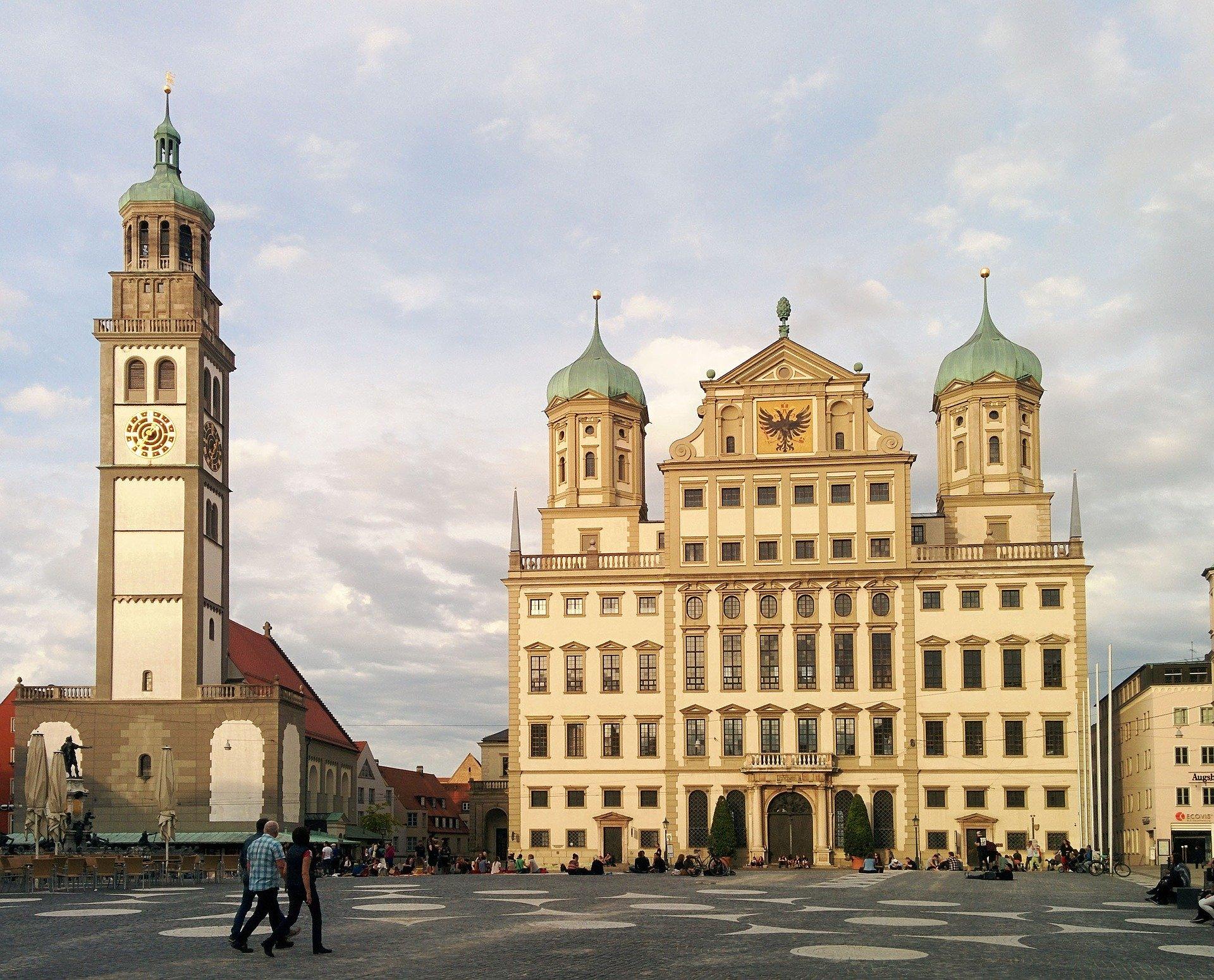 Ausblick Auf Das Rathaus In Augsburg