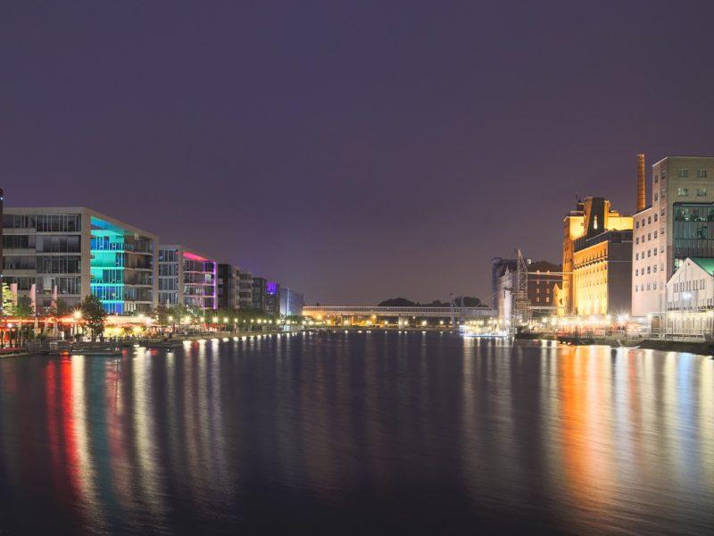 Aussicht Auf Duisburg Vom Rhein Bei Nacht