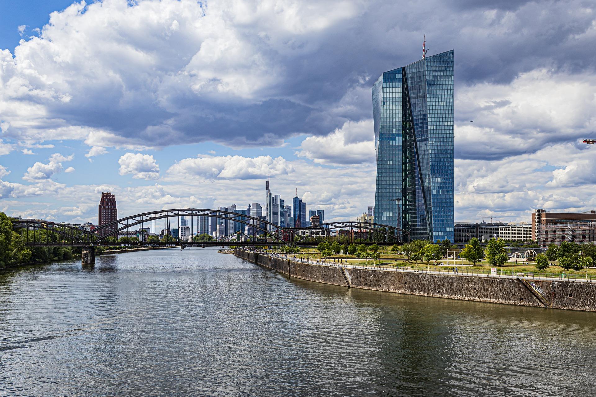 Aussicht über Frankfurt Mit Hochhäusern
